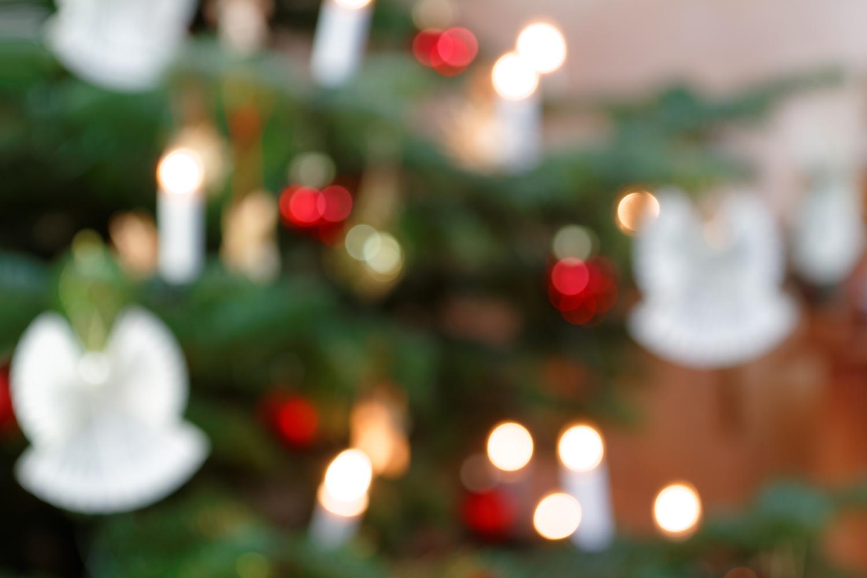 Weihnachtliche Lichterimpression in abstrakter Unschärfe