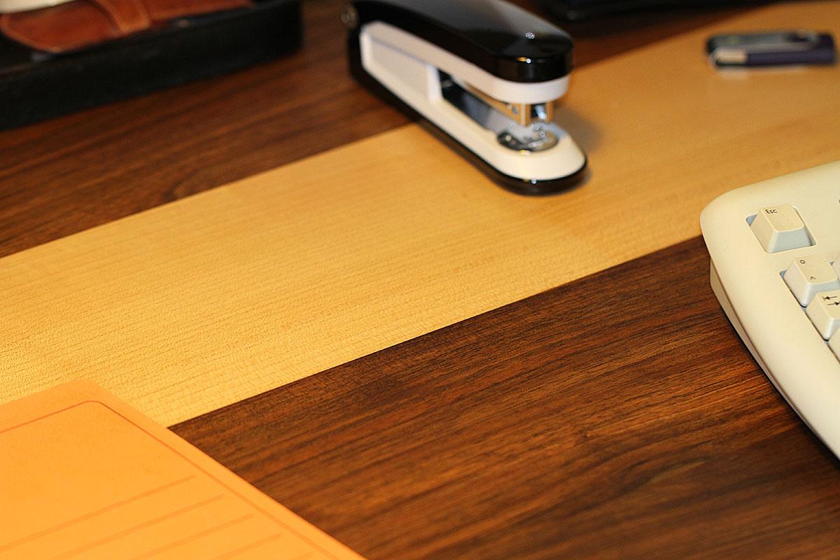 Schreibtischplatte aus Walnussbaum und Birke